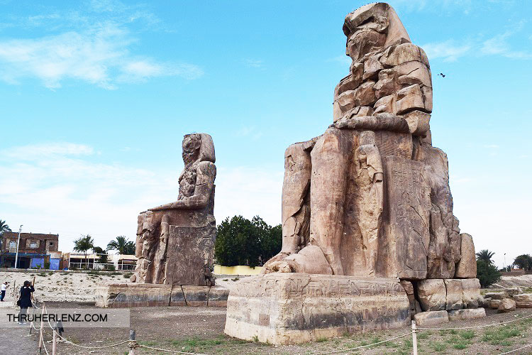 Looking at the two statues of Colossi of Memnon