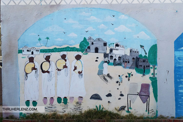 Painting on the walls in the Nubian Village.